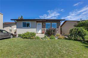 30 Sandstone CR Se, Airdrie  T4B 1T5 Summerhill