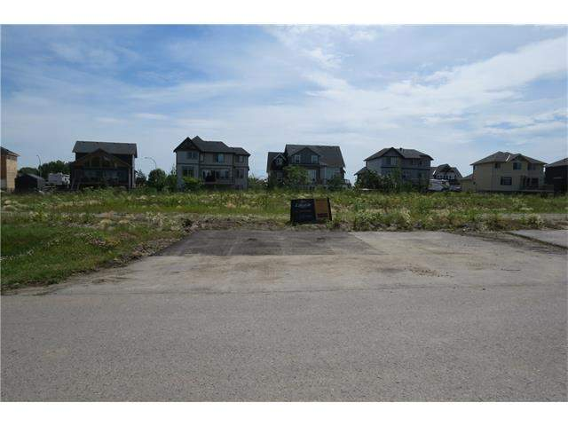 MLS® #C4049247 908 East Lakeview RD in Kinniburgh Chestermere