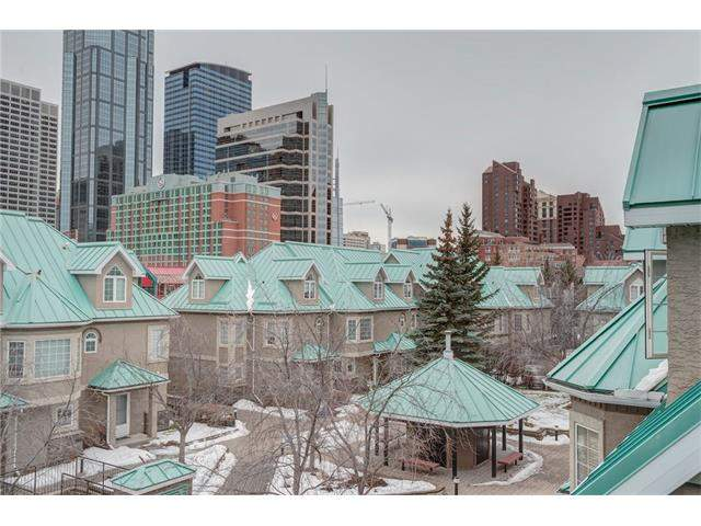 MLS® #C4094776 - 20 Barclay Wk Sw in Eau Claire Calgary