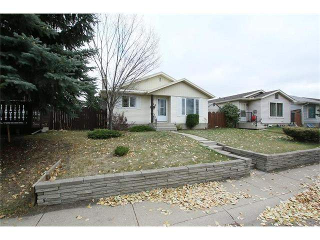 MLS® #C4141692 - 40 Appletree RD Se in Applewood Park Calgary, Detached