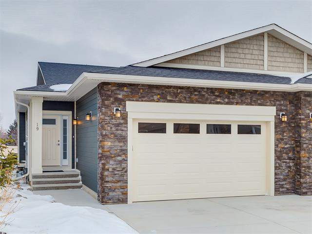 MLS® #C4146963 - 19 Sierra Morena Mr Sw in Signal Hill Calgary, Attached