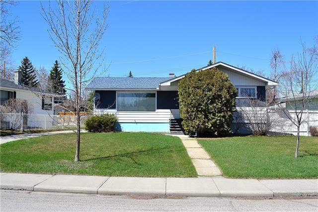 Meadowlark Park real estate listings 45 Mayfair RD Sw, Calgary