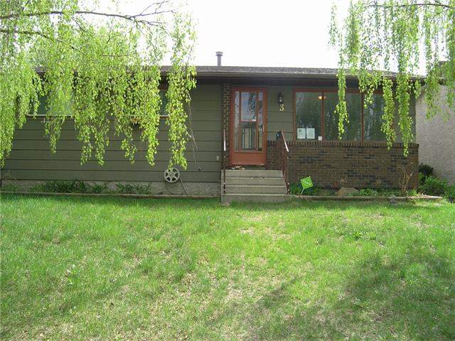 Maplewood real estate listings 3 Brentwood Dr, Strathmore