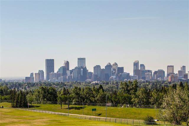 Collingwood real estate listings 66 Cromwell AV Nw, Calgary