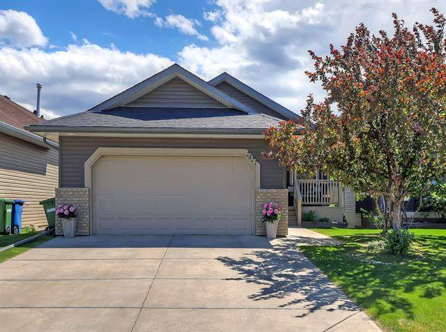 Meadowbrook real estate listings 2427 Morris CR Se, Airdrie