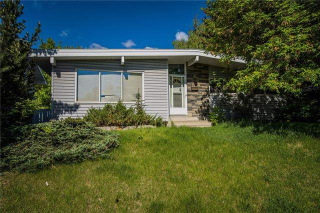 Varsity real estate listings 4219 40 ST Nw, Calgary