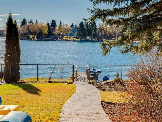 Lake Bonaventure real estate listings 727 Lake Placid DR Se, Calgary