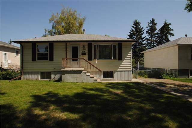 Lynnwood real estate listings 2212 Crestwood RD Se, Calgary