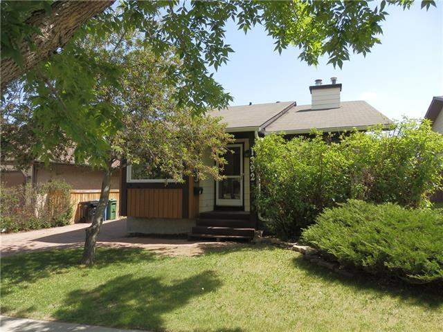 Beddington Heights real estate listings 1392 Berkley DR Nw, Calgary