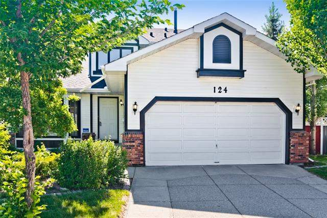 Douglasdale/Glen real estate listings 124 Douglasbank BA Se, Calgary
