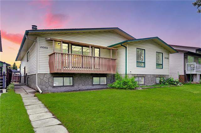 Woodlands real estate listings 2440 Woodview DR Sw, Calgary