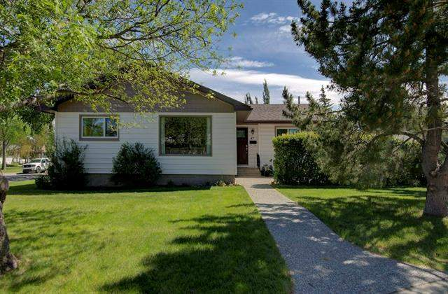 Glamorgan real estate listings 47 Galway CR Sw, Calgary