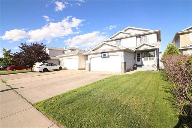 Applewood real estate listings 752 Applewood DR Se, Calgary