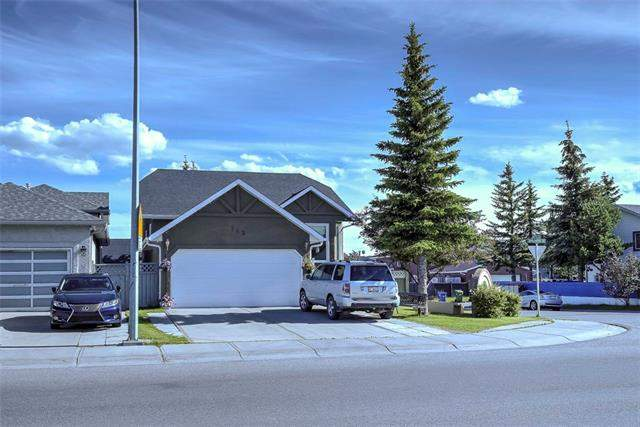 Applewood real estate listings 143 Applewood DR Se, Calgary