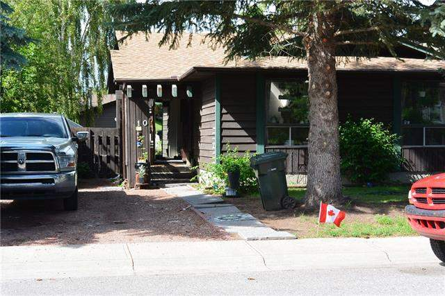 Maplewood real estate listings 10 Maple Green Wy, Strathmore