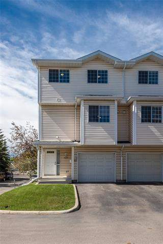 Hawks Landing real estate listings 607 Hawkstone Mr Nw, Calgary