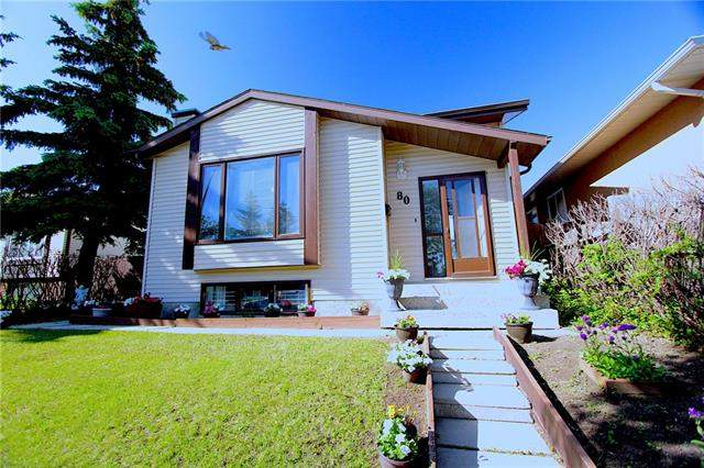 Applewood real estate listings 80 Applewood DR Se, Calgary