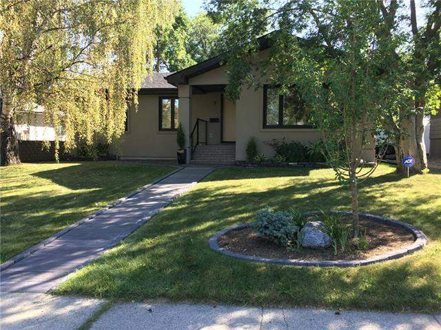 Meadowlark Park real estate listings 9 Manor RD Sw, Calgary