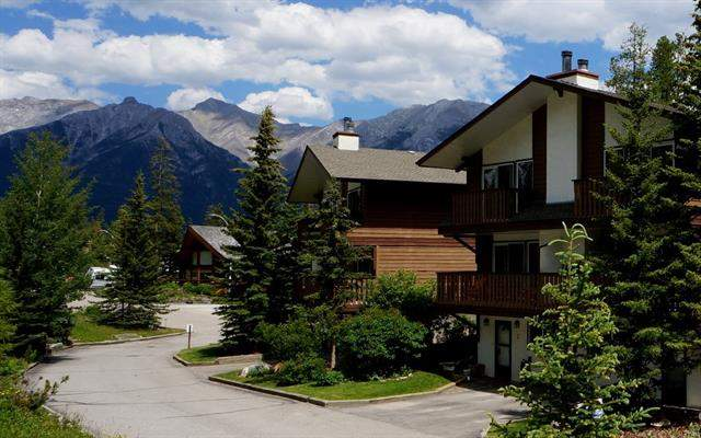 #1 1061 Evergreen Ci, Canmore  Rundleview Ests homes for sale