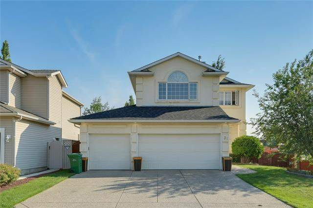 Douglasdale/Glen real estate listings 31 Douglasview RD Se, Calgary