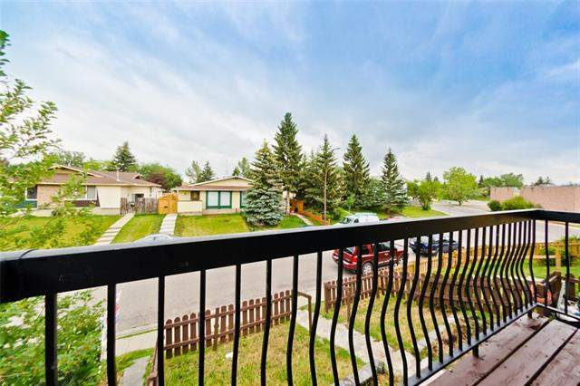 151c Pinehill RD Ne, Calgary Pineridge real estate, Attached Pineridge homes for sale