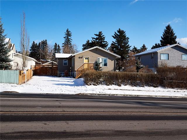 2112 Home RD Nw, Calgary  Montgomery homes for sale
