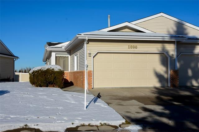 1090 Shawnee RD Sw, Calgary Shawnee Slopes real estate, Attached The Slopes homes for sale