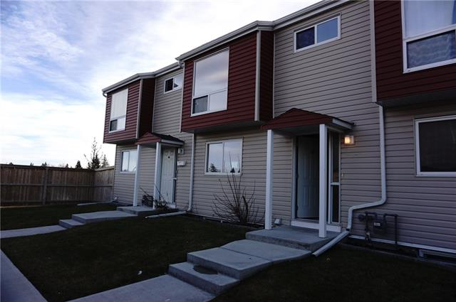 #45 5425 Pensacola CR Se, Calgary Penbrooke Meadows real estate, Attached Penbrooke homes for sale