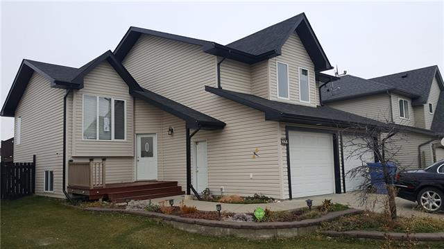 322 Carriage Lane Dr in None Carstairs MLS® #C4219194