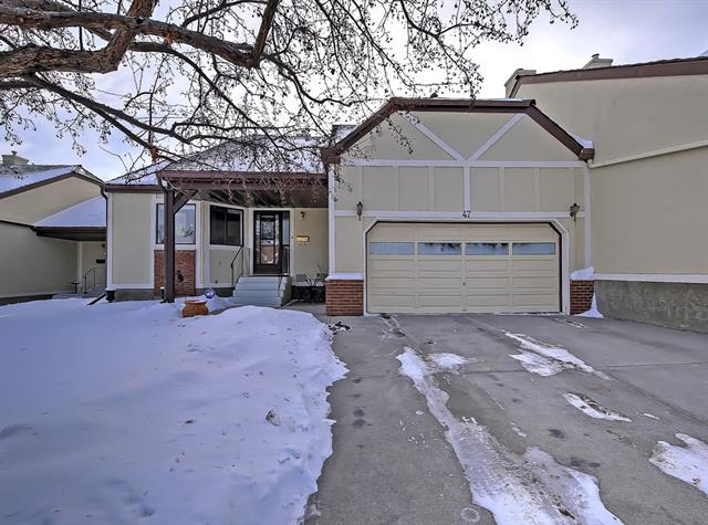 47 Coach Side Tc Sw, Calgary, Coach Hill real estate, Attached Coach Hill homes for sale