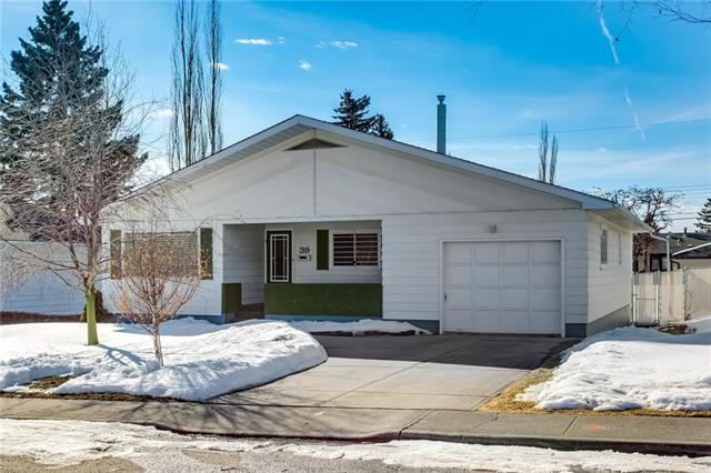 39 Cheltenham RD Nw, Calgary, Collingwood real estate, Detached Collingwood homes for sale