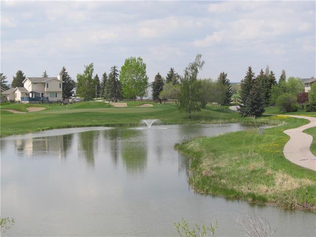 125 Fairway Vw Nw, High River, High River Golf Course real estate, Attached High River Golf Course homes for sale