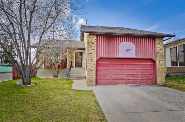 48 Castleglen Co Ne, Calgary, Castleridge real estate, Detached Castleridge Estates homes for sale