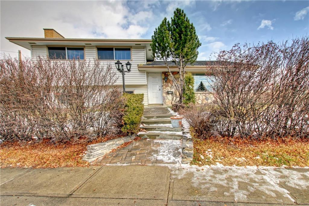 MLS® #C4215171 - 5235 Vallance CR Nw in Varsity Calgary, Detached Open Houses