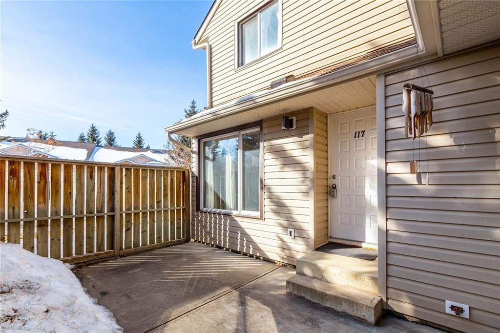 MLS® #C4233370 - #117 36 Glamis Gr Sw in Glamorgan Calgary, Attached Open Houses