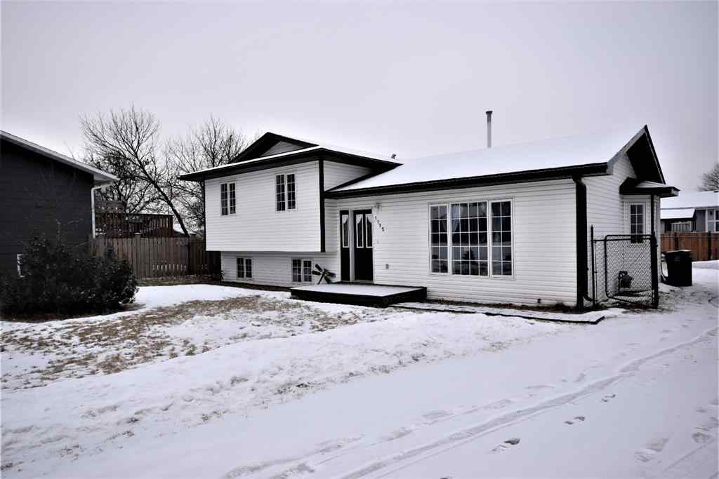 MLS® # A1001329 - 1115 6 Avenue W in N/A Beaverlodge, Residential Open Houses