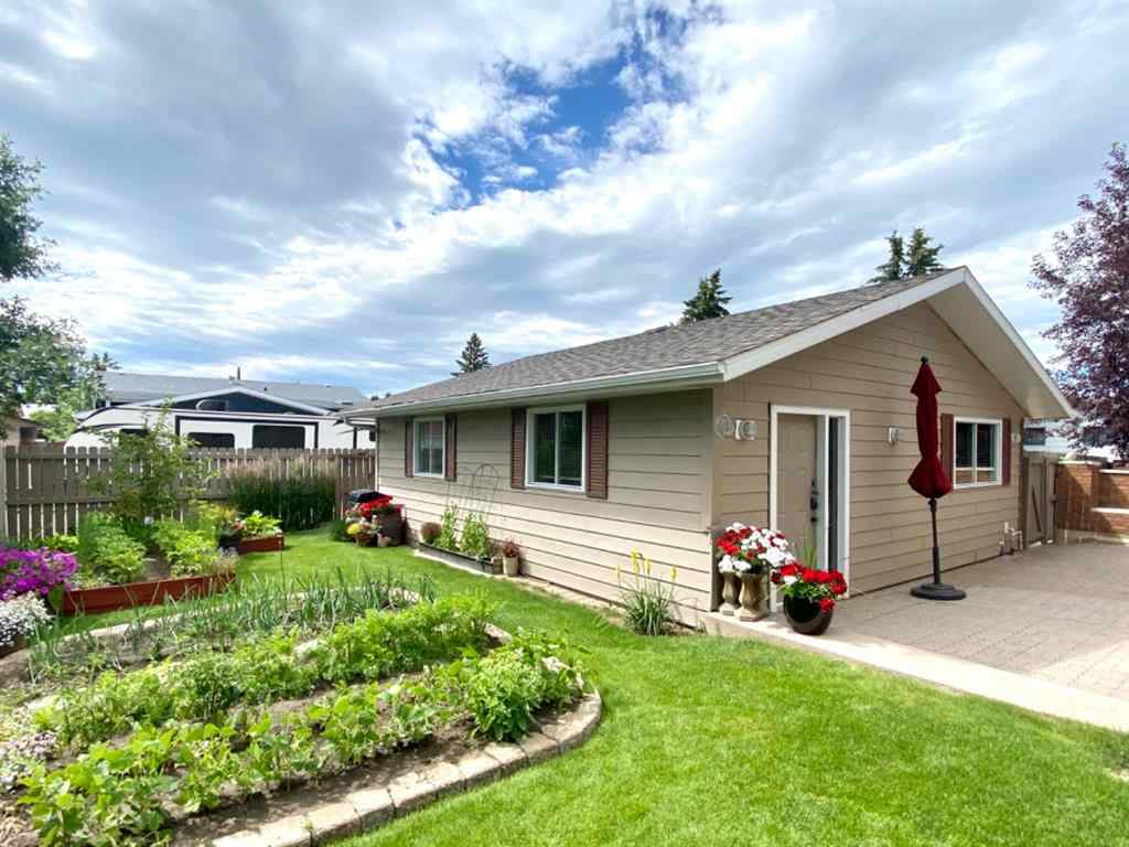 MLS® # A1005618 - 59 11 Street W in West End Brooks, Residential Open Houses