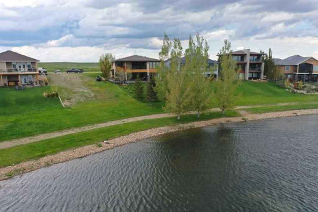 MLS® # A1008047 - 39 Kingfisher  Bay  in NONE Lake Newell Resort, Residential Open Houses