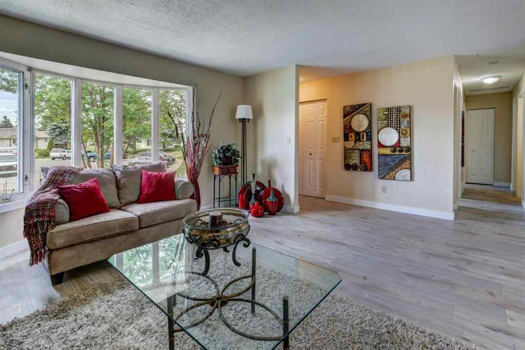 MLS® # A1011335 - 28 MARCOMBE Place NE in Marlborough Calgary, Residential Open Houses