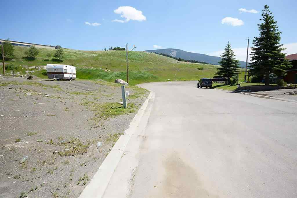 MLS® #A1013519 - 8639/8643 19 Avenue  in NONE Crowsnest Pass, Land Open Houses