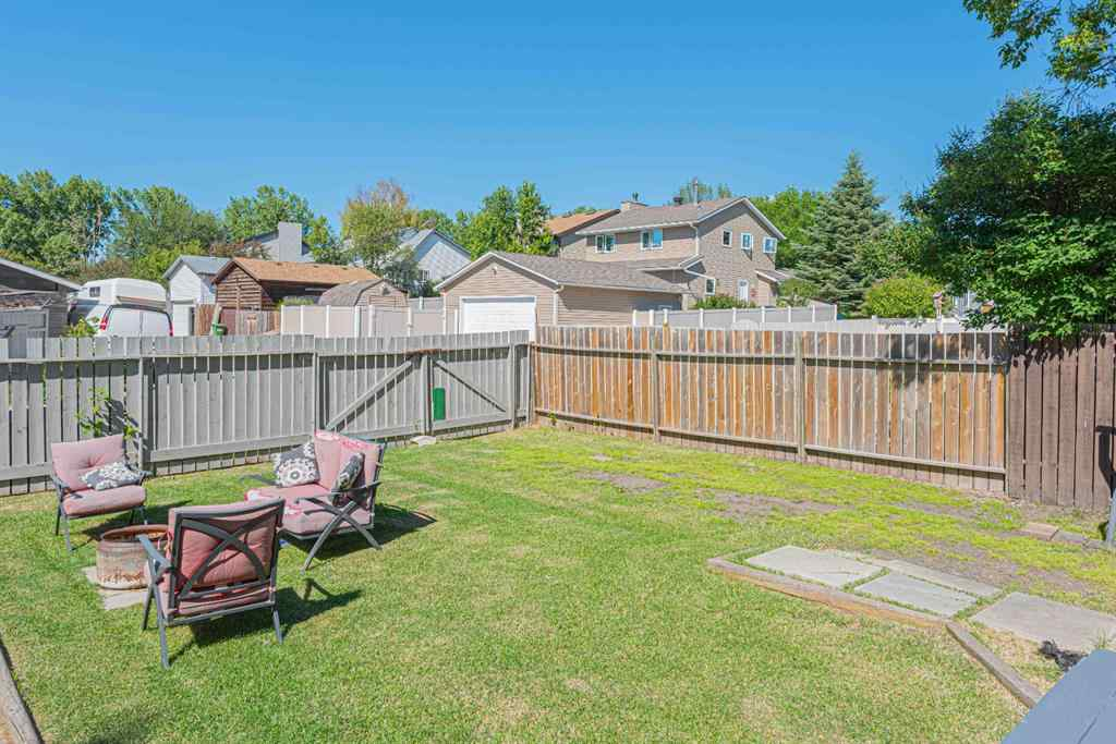 MLS® #A1014599 - 1240 MEADOWBROOK  Drive SE in Meadowbrook Airdrie, Residential Open Houses