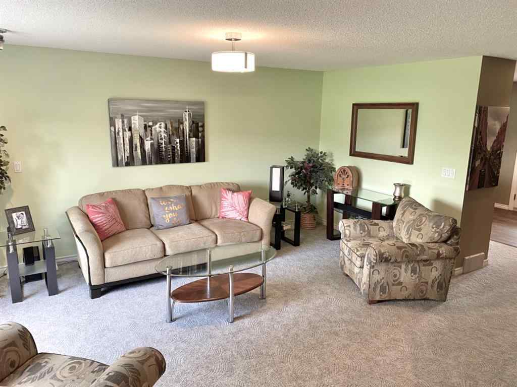 MLS® #A1016630 - 112 WOODSIDE  Crescent NW in Woodside Airdrie, Residential Open Houses
