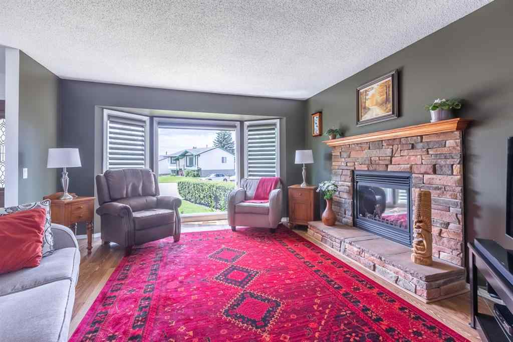 MLS® # A1016935 - 54 SANDSTONE  Crescent SE in Summerhill Airdrie, Residential Open Houses