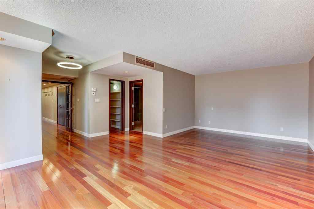 MLS® # A1018890 - Unit #500J 500 EAU CLAIRE Avenue SW in Eau Claire Calgary, Residential Open Houses