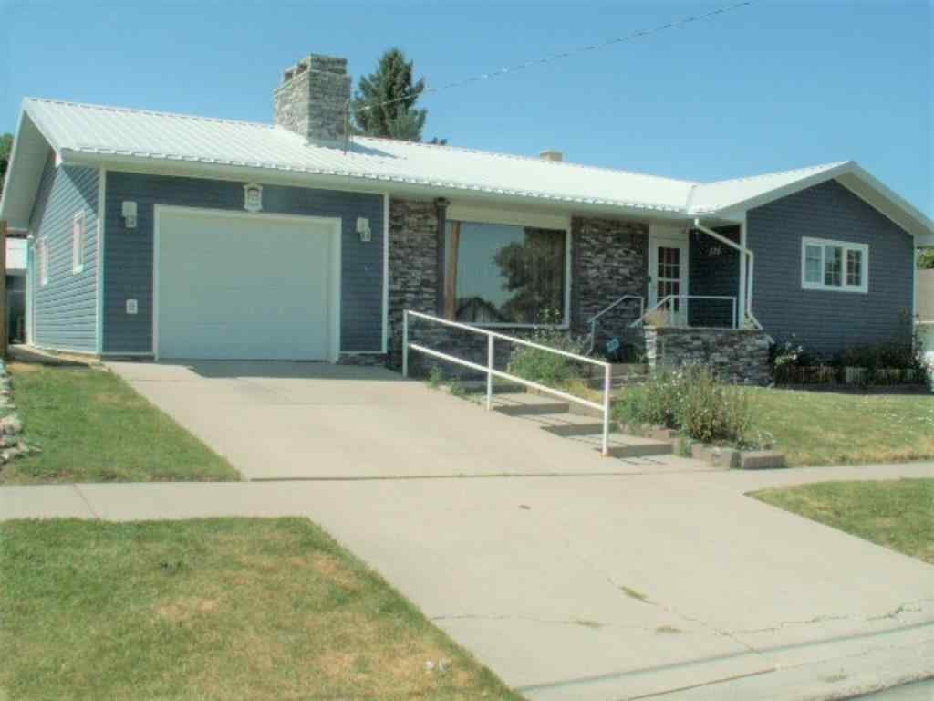 MLS® # A1020605 - 275 2 Street  in NONE Cardston, Residential Open Houses