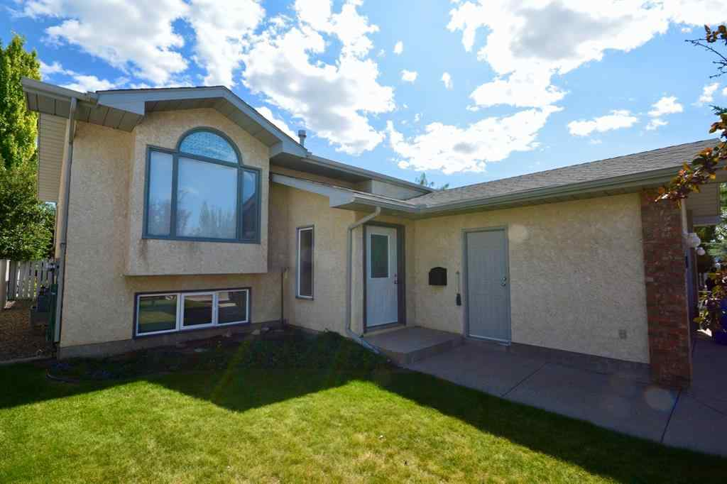 MLS® # A1022315 - 45 STAFFORD Road N in Stafford Manor Lethbridge, Residential Open Houses