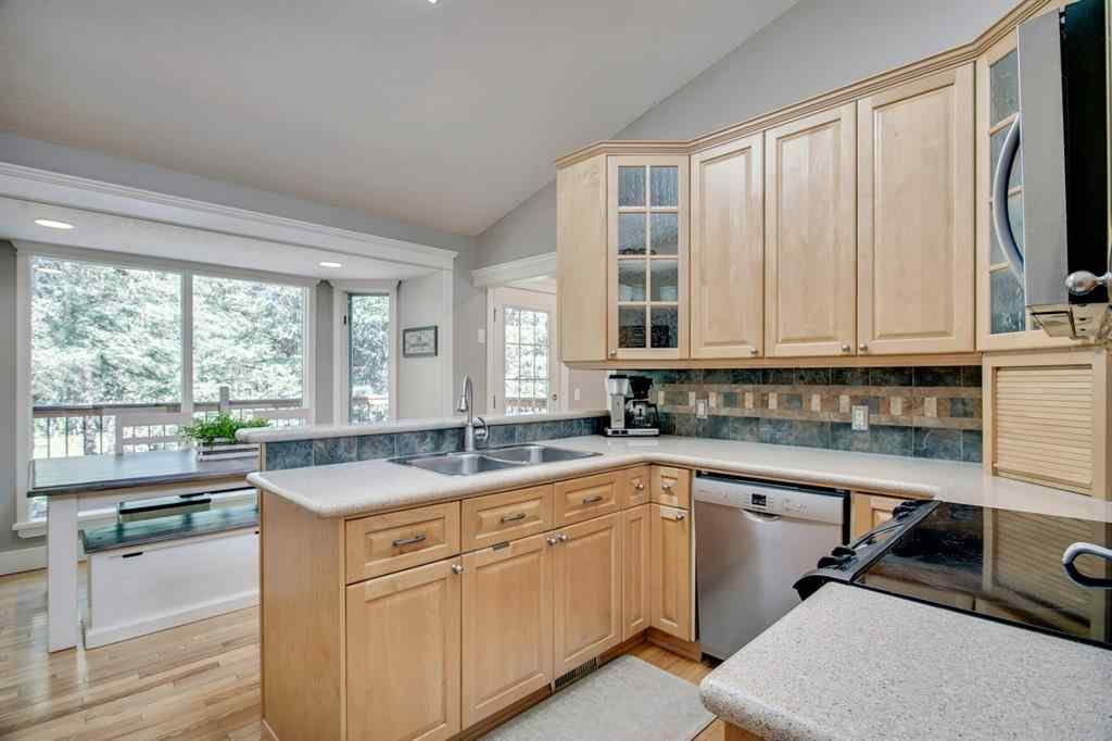 MLS® # A1026882 - 14 MOUNTAIN LION Drive  in Wintergreen_BC Bragg Creek, Residential Open Houses
