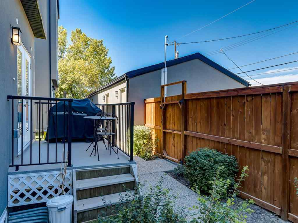 MLS® # A1027096 - Unit #5 308 11 Avenue NE in Crescent Heights Calgary, Residential Open Houses