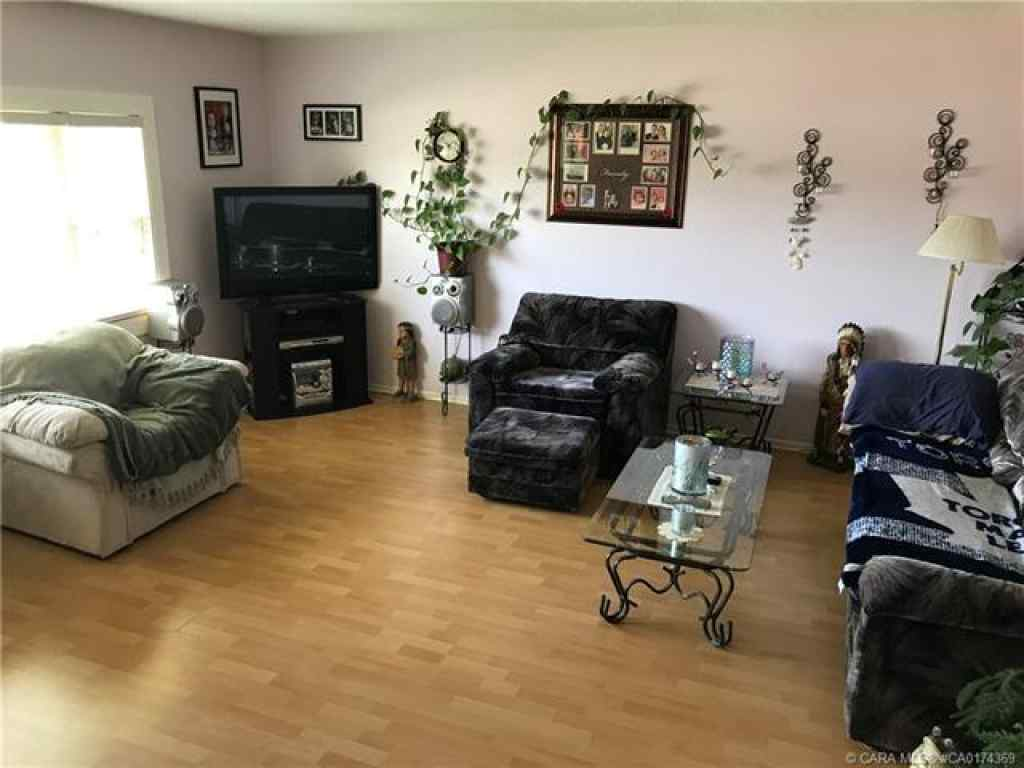 MLS® #A1028036 - 5135 52 Avenue  in Bashaw Bashaw, Residential Open Houses