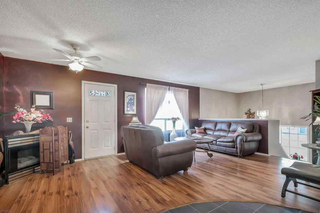 MLS® #A1028347 - 239 WILLOWBROOK  Close NW in Willowbrook Airdrie, Residential Open Houses
